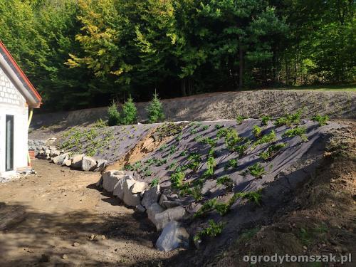 2020 ogrody tomszak kosze siatkowe skarpa IMG 20200911 094745