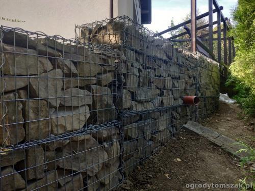 2020 ogrody tomszak murek z piaskowca kosze siatkowe 13
