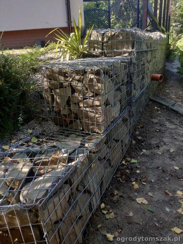2020 ogrody tomszak murek z piaskowca kosze siatkowe 2