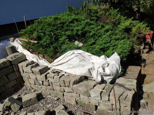 2020 ogrody tomszak murek z piaskowca kosze siatkowe 8