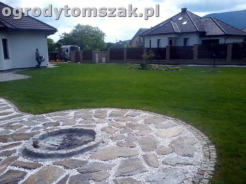 ogrod bielsko-biala trawnik palenisko plac0079