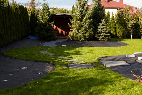 ogrod bystra obrzeze palstikowe trawnik plyty betonowe 11