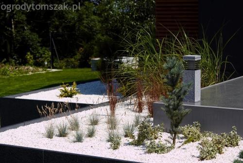 Jaworze - ogród nowoczesny, geometryczne kształty, skalniak, palenisko, trawnik