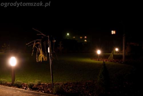ogrod mazancowice oswietlenie noca 2010 02