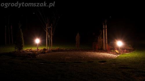 ogrod mazancowice oswietlenie noca 2010 08