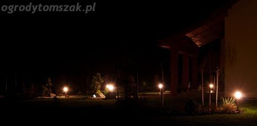 ogrod mazancowice oswietlenie noca 2010 10