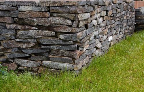 ogrod pewel zywiec lodygowice rybarzowice skarpa trawy metaloplastyka kaskada oczko wodne andezyt donica kamienna 19