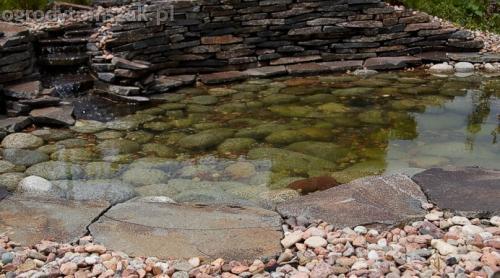 ogrod pewel zywiec lodygowice rybarzowice skarpa trawy metaloplastyka kaskada oczko wodne andezyt donica kamienna 34