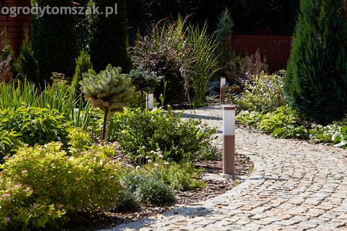 ogrod pod lasem komorowice krakowskie nawodnienie bruk oswietlenie ogrodu 02