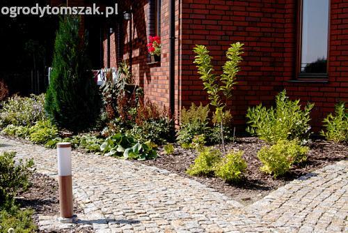 ogrod pod lasem komorowice krakowskie nawodnienie bruk oswietlenie ogrodu 04