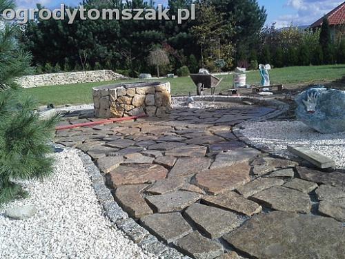 ogrod sciezka granit kamienny formowanie terenu20141021 125402