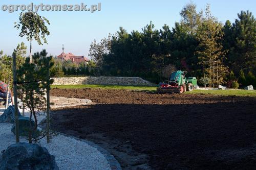 ogrod sciezka granit kamienny formowanie terenuIMG 5840