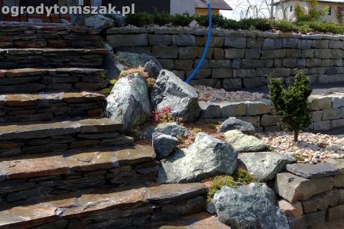 ogrod taras ziemny skalniak schody IMG 5492