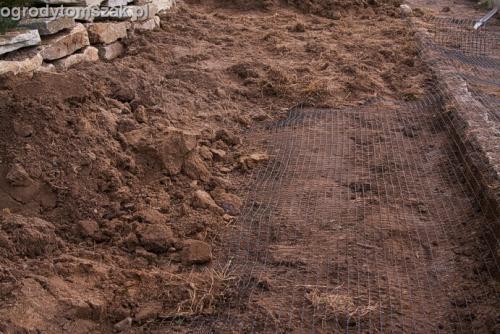 ogrod trawnik z siewu trawnik siany siatka przeciw kretom Tychy 001