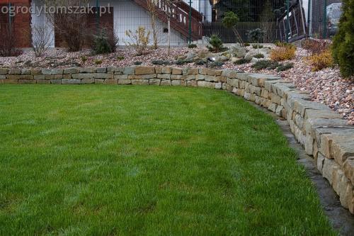 ogrodytomszak buczkowice trawnik mur nawodnienie 06