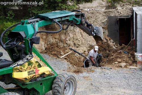 wilkowice mikuszowice lodygowice bystra ogrod murki piaskowiec trawnik schody piwniczka formowanie terenu skarpy IMG 7254