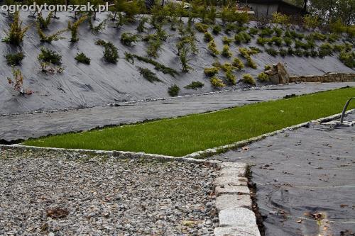 wilkowice mikuszowice lodygowice bystra ogrod murki piaskowiec trawnik schody piwniczka formowanie terenu skarpy IMG 8044