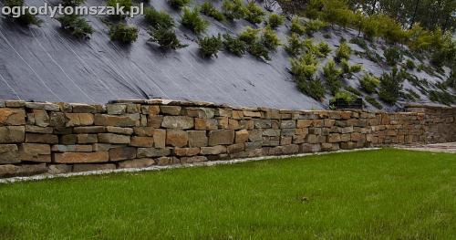 wilkowice mikuszowice lodygowice bystra ogrod murki piaskowiec trawnik schody piwniczka formowanie terenu skarpy IMG 8047