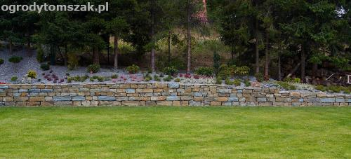wilkowice mikuszowice lodygowice bystra ogrod murki piaskowiec trawnik schody piwniczka formowanie terenu skarpy IMG 8056