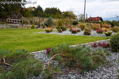 wilkowice mikuszowice lodygowice bystra ogrod murki piaskowiec trawnik schody piwniczka formowanie terenu skarpy IMG 8059