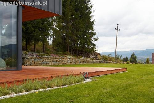wilkowice mikuszowice lodygowice bystra ogrod murki piaskowiec trawnik schody piwniczka formowanie terenu skarpy IMG 8092