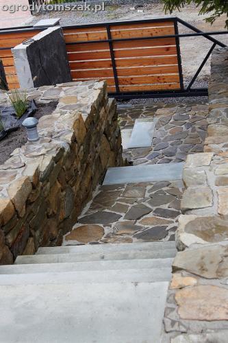 wilkowice mikuszowice lodygowice bystra ogrod murki piaskowiec trawnik schody piwniczka formowanie terenu skarpy IMG 8123