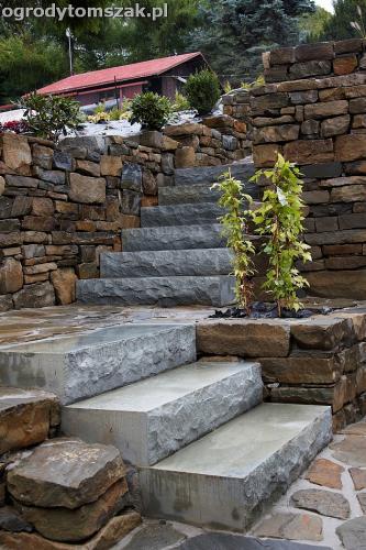 wilkowice mikuszowice lodygowice bystra ogrod murki piaskowiec trawnik schody piwniczka formowanie terenu skarpy IMG 8131