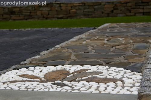 wilkowice mikuszowice lodygowice bystra ogrod murki piaskowiec trawnik schody piwniczka formowanie terenu skarpy IMG 8145